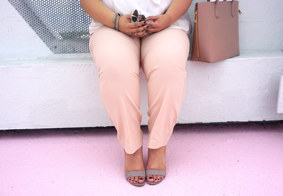 Old Navy Mid Rise Harper Pants in Blush