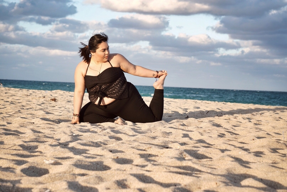 Curvy Yogini Blogger in Pigeon Pose