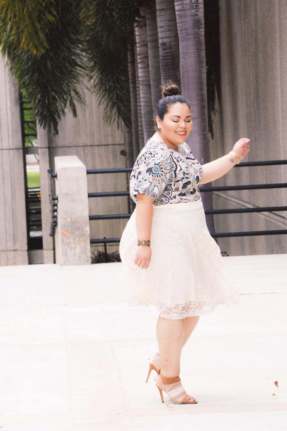 Plus Size Latina Style Blogger in Kiyonna Spring Lace Midi Skirt