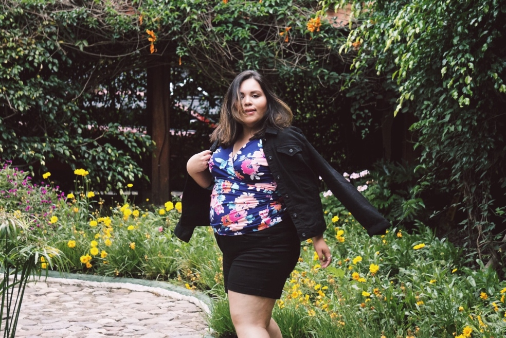 Plus Size Summer Travel Style in Guatemala