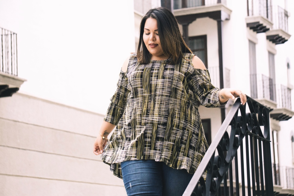 Plus Size Summer Style feat. Alfani Cold Shoulder Hi Lo Print Top