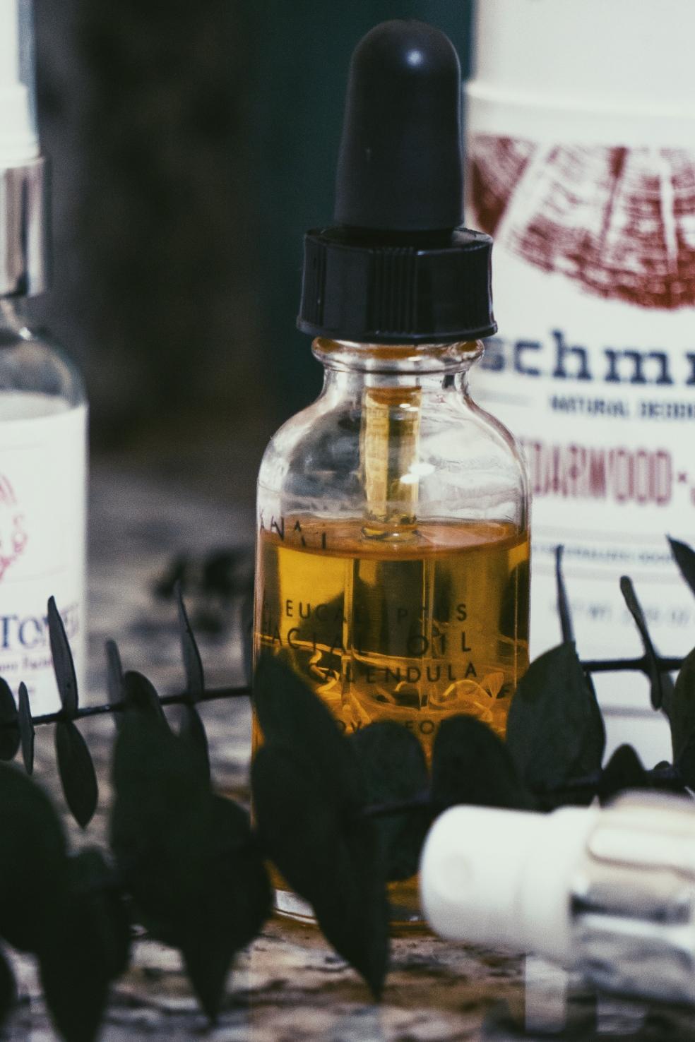 Kanai Essentials Botanical Eucalyptus and Tea Tree Repair Oil